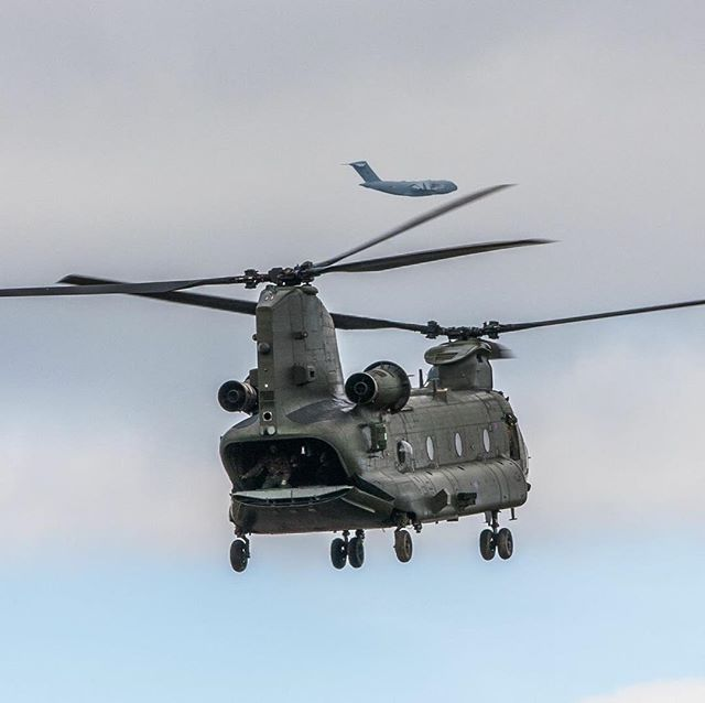 C17 Globemaster and CH47 Chinook aircraft flying at Eshott Airfield #chinook #c17 #flying #eshott #military #flying #northumberland #morpeth #airfield #MOD