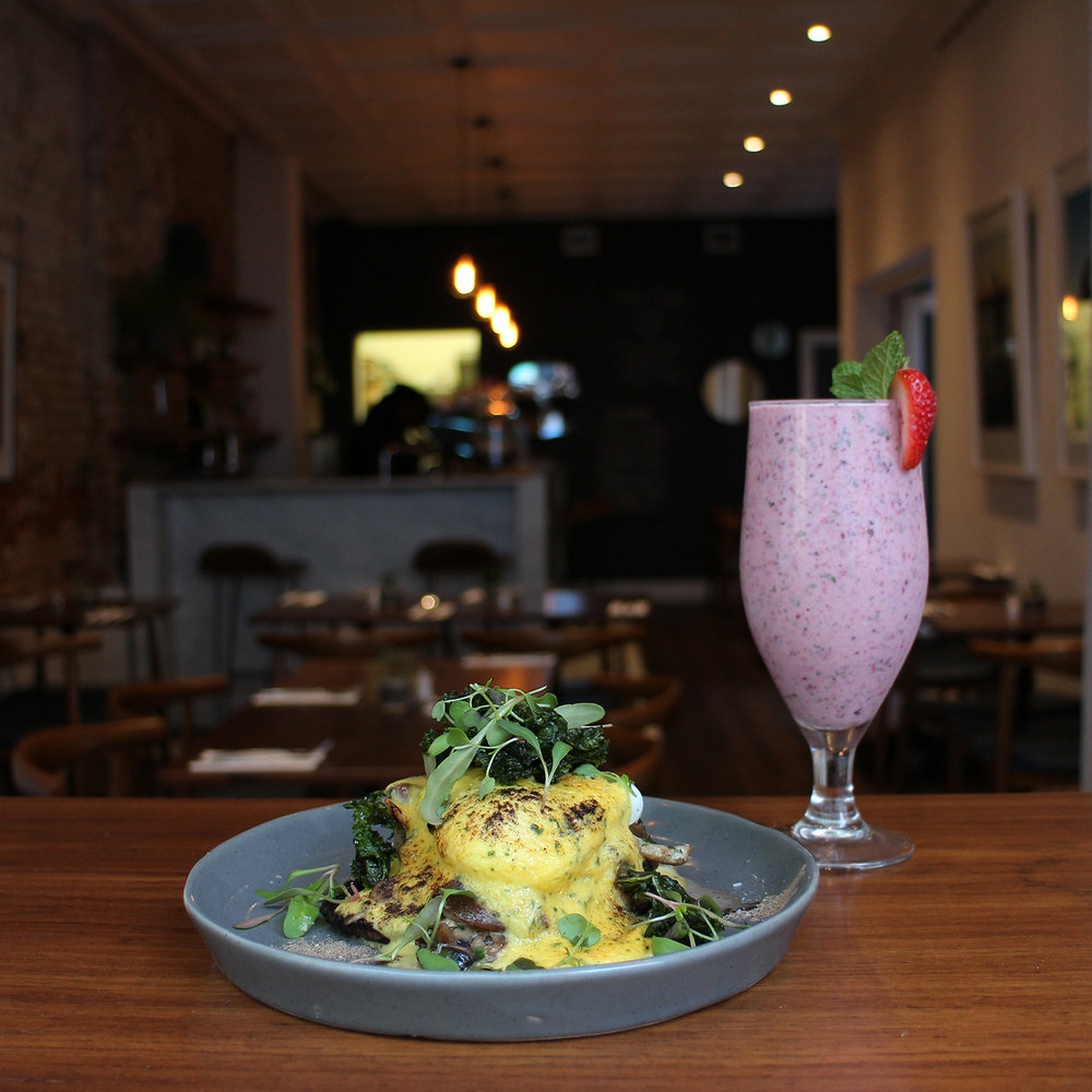 eggs benedict mush & smoothie.jpg