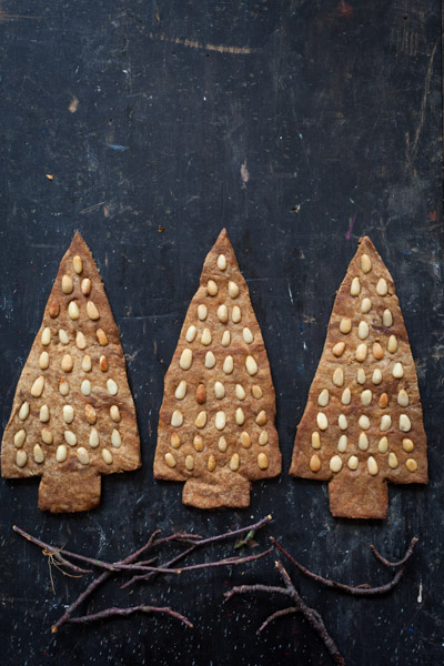 Spiced treacle biscuits-4.jpg
