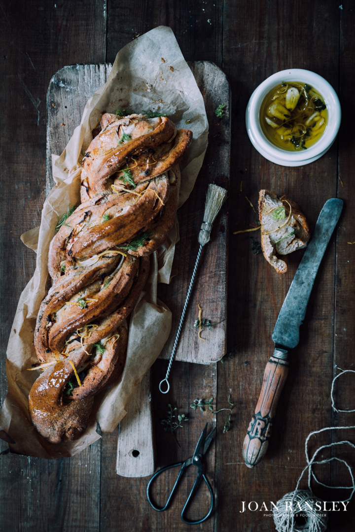 Twisted fennel bread-7.jpg