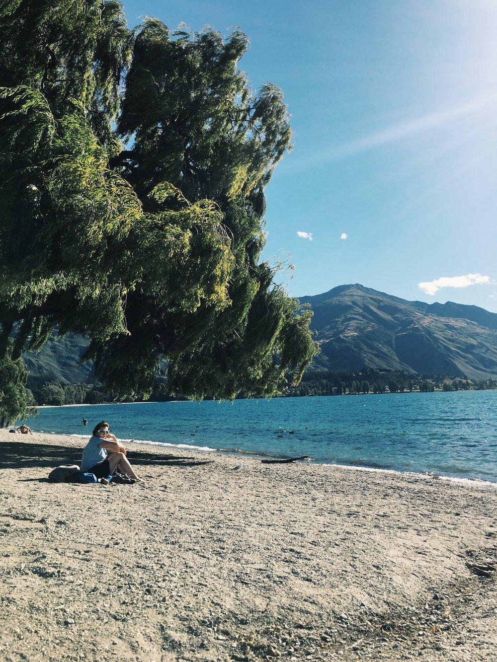 wanaka-newzealand-southisland-kiwiexperience-gretacaptures-lake
