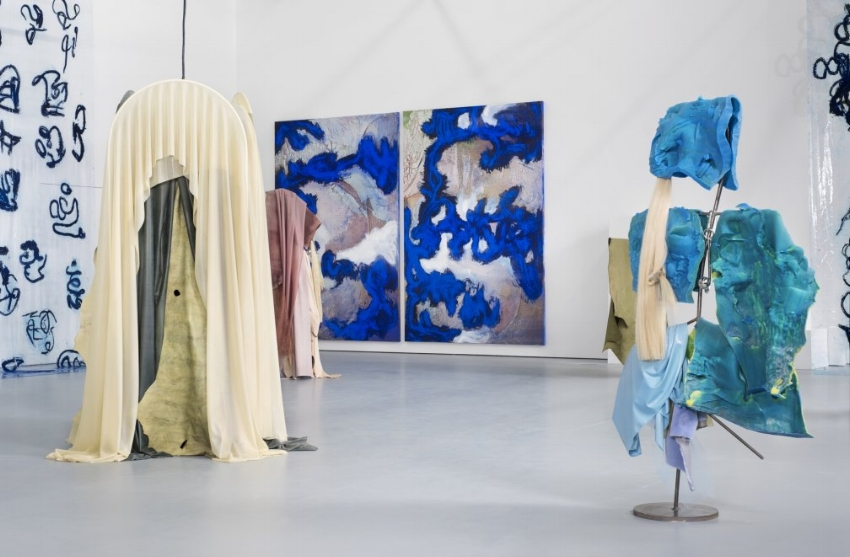 Donna Huanca, SCAR CYMBALS, 2016, installation view. Photo: Thierry Bal