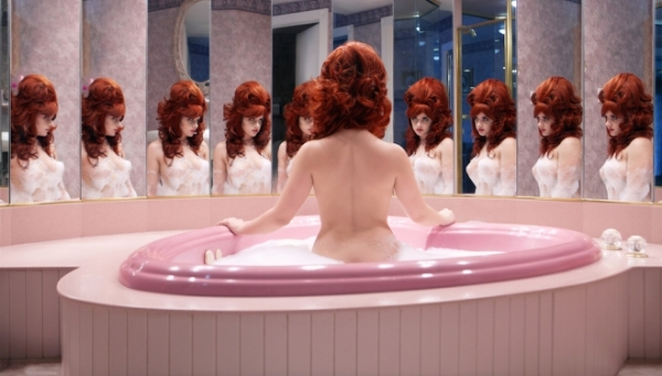 Juno Calypso, The Honeymoon Suite, Courtesy of the artist and TJ Boulting Gallery