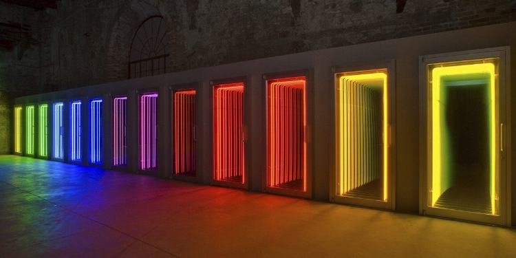 Ivan Navarro – Threshold, 2009, from 53rd Venice Biennial. Image courtesy of the artist