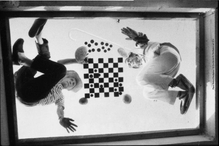 Duchamp and Dali playing chess during filming for A Soft Self-Portrait, 1966. Archivo Fotografico Pere Vehi, Cadaques Photo by Robert Descharnes and Paul Averty. ©Descharnes & Descharnes sarl 2016.