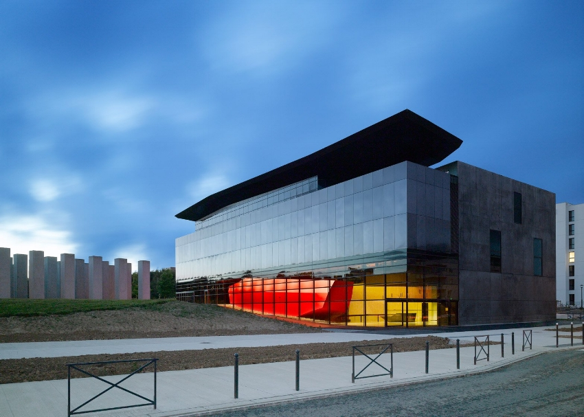 FRAC Bretagne Contemporary Art Museum in Rennes by Studio Odile Decq, 2012. Photograph by Roland Halbe