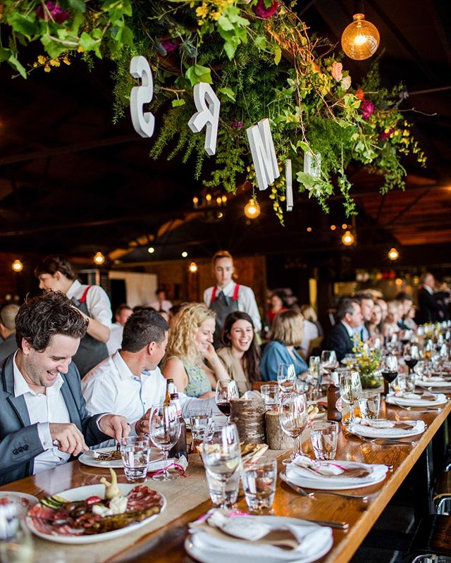 Long table dinner is always one of my favorite settings at weddings. Especially when the bride has great taste! A wedding at Zonzo Estate, Yarra Valley