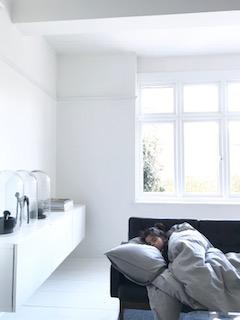 Scandinavian_Stylist_Sia_Sleeping.jpg