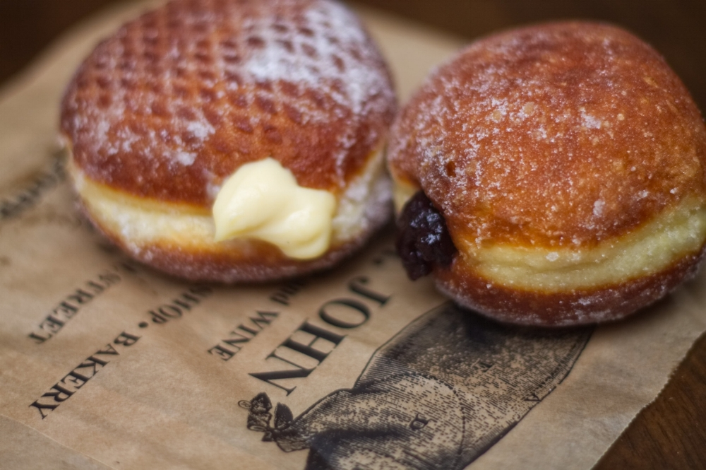 Blackberry-and-Vanilla-Doughnuts.jpg