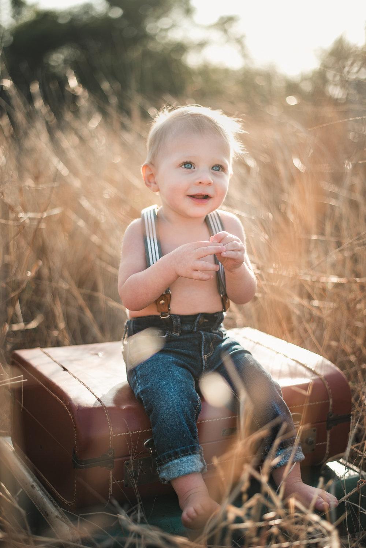 Cute kid 1st birthday photo