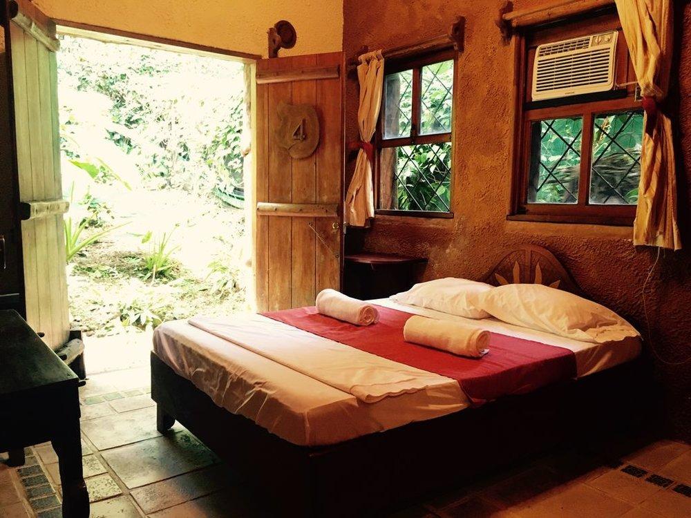 bedroom.villa.jpg