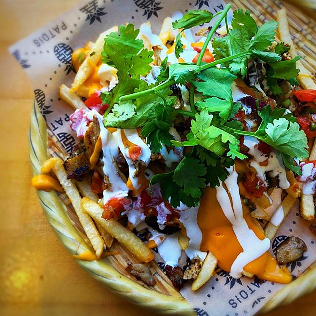 Patois Jerk Chicken Fries🍟🍗only at #EatJackpot! #friessupreme #chinatown #jerkchicken #patoistoronto 📷@torontofoodbible