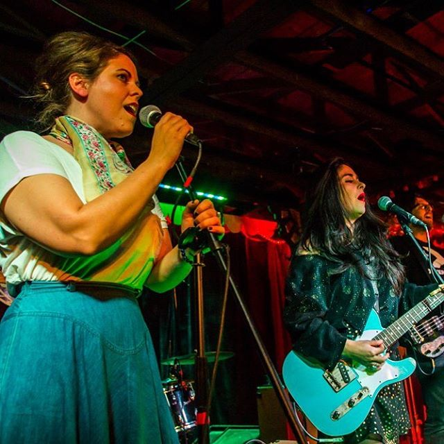 Alright y'all. It's been a fun couple weeks. We have one more show tonight at @swandiveaustin. We play at 10pm. Last one of the month. Then we will rest for a couple days 🛌 #Belcurve #belbabes #freeweek 📷: @ashleybooradley