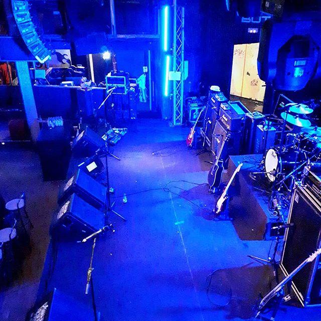 Stage set ⚡