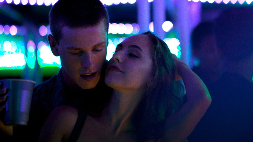 Harris Dickinson and Madeline Weinstein in  Beach Rats  © 2017 Neon