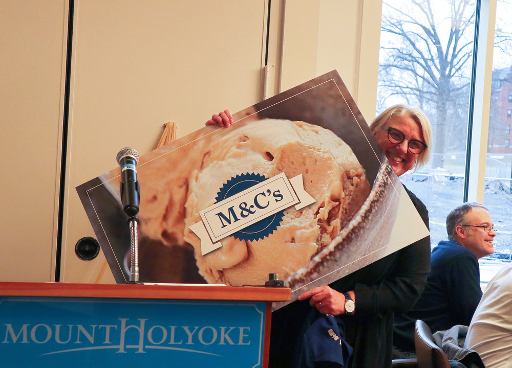 Photo by Yingke Yang '20  Acting President Sonya Stephens announced the official College ice cream flavor, M&C's, on Tuesday afternoon.