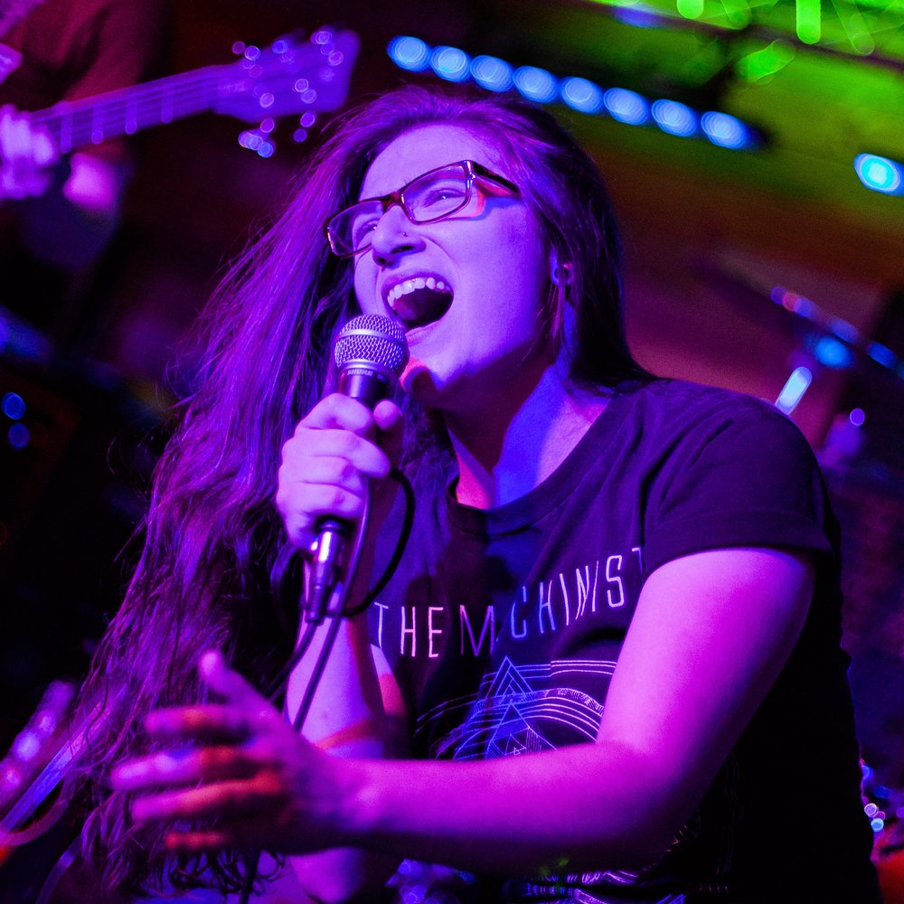 Photo courtesy of Julia Forsyth Sienkiewicz '20  Kaytlin Medley, frontwoman of Flying Jacobs, performs.