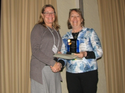 Elke Wind (l) with Dede Olson at Awards Ceremony.