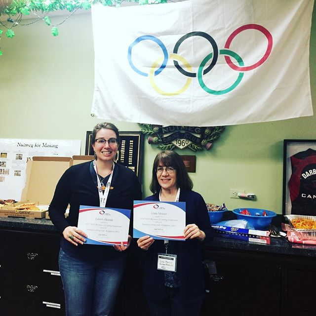 Woot! Certificates achieved at #TheBusinessofCurling Thank you @nutmegcurlingclub for hosting. Thank you @worldcurling & @usacurl for this learning opportunity. #curling802