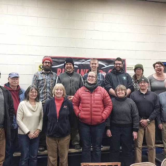 👀 at these awesome VERspiel #curling #bonspiel volunteers! Thank you! If you're in #Rutland #rutvt tomorrow, come and cheer on our #vt curlers! 🥌