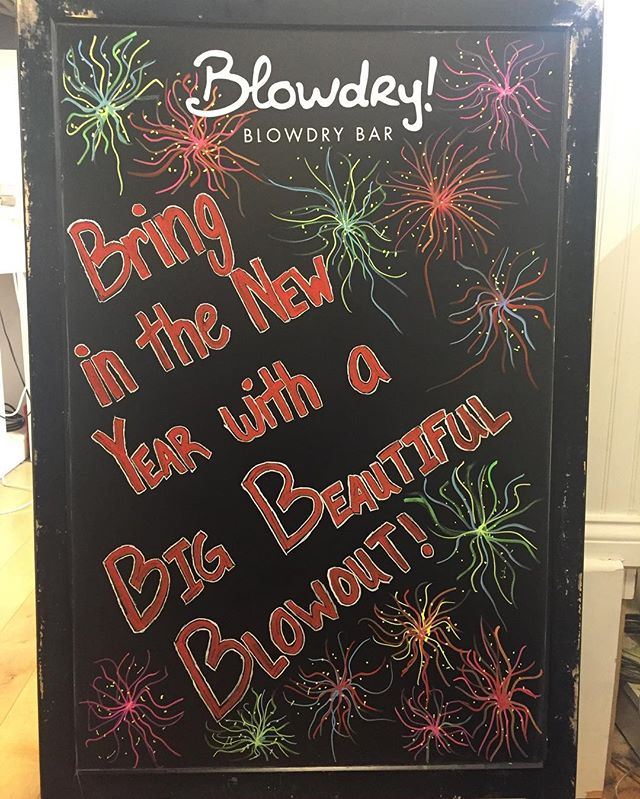 Need a blowdry? We've got you covered for only $40! #uptown #mn #minnesota #blowdrybeauties #minneapolis #blowdry #blowdries #style #styling #hair #blownaway