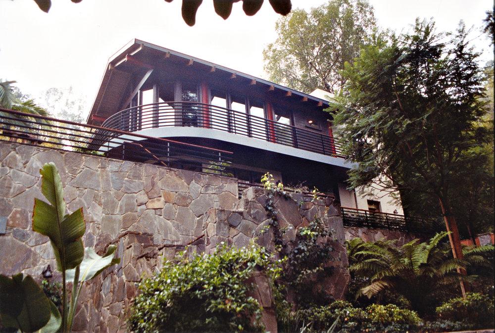 Day-Residence-stonewallsteps.jpg