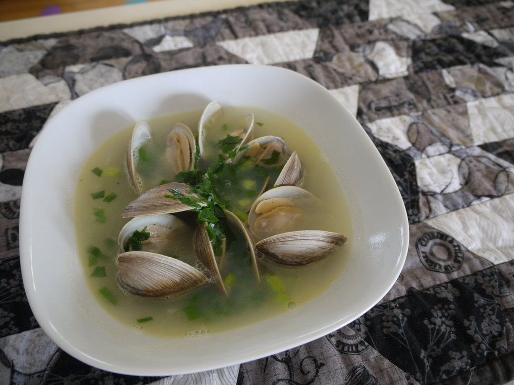 Nova Scotia Clams in broth