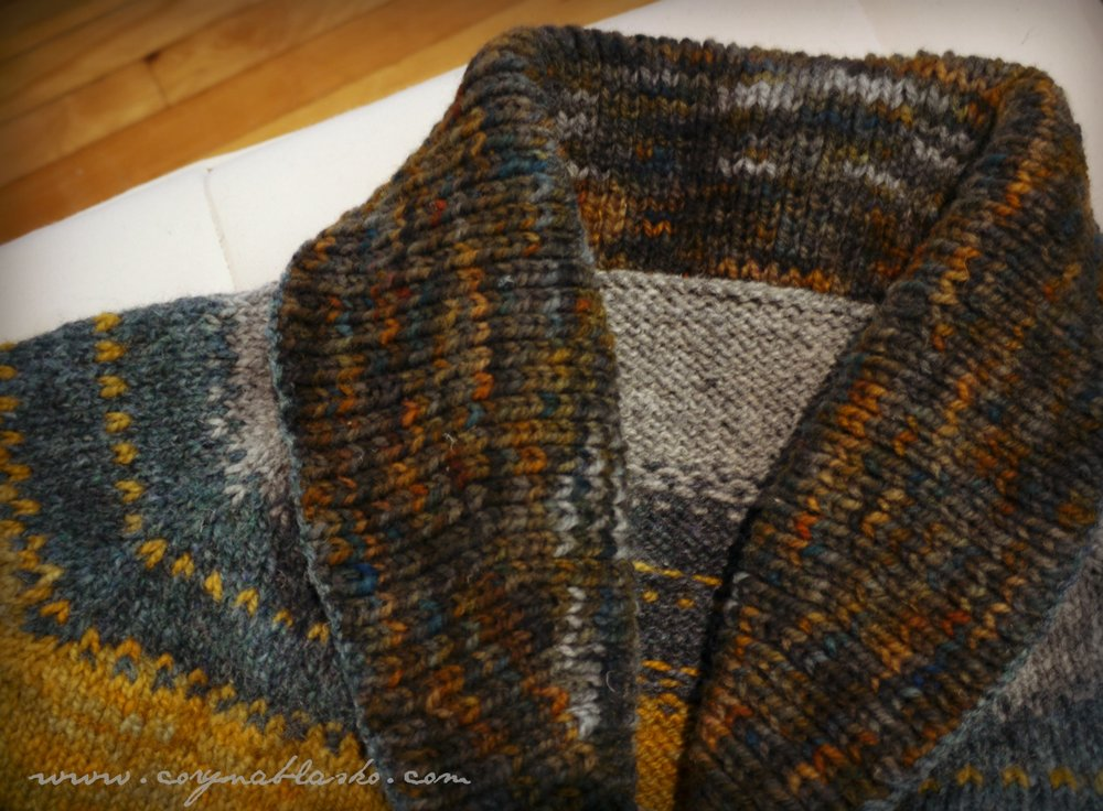 And perhaps my favourite part of this garment, the luscious shawl collar!