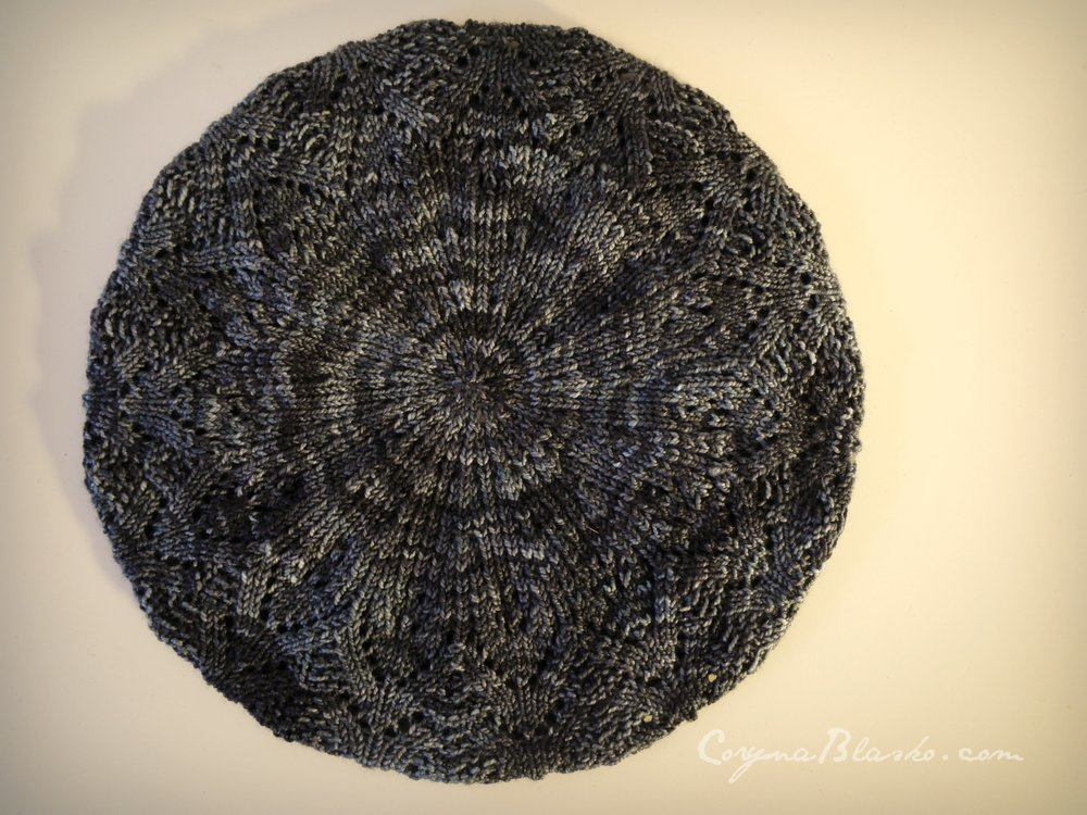 Paestum Beret made with The Yarns of Rhichard Devreize, Peppino - Black Ice.
