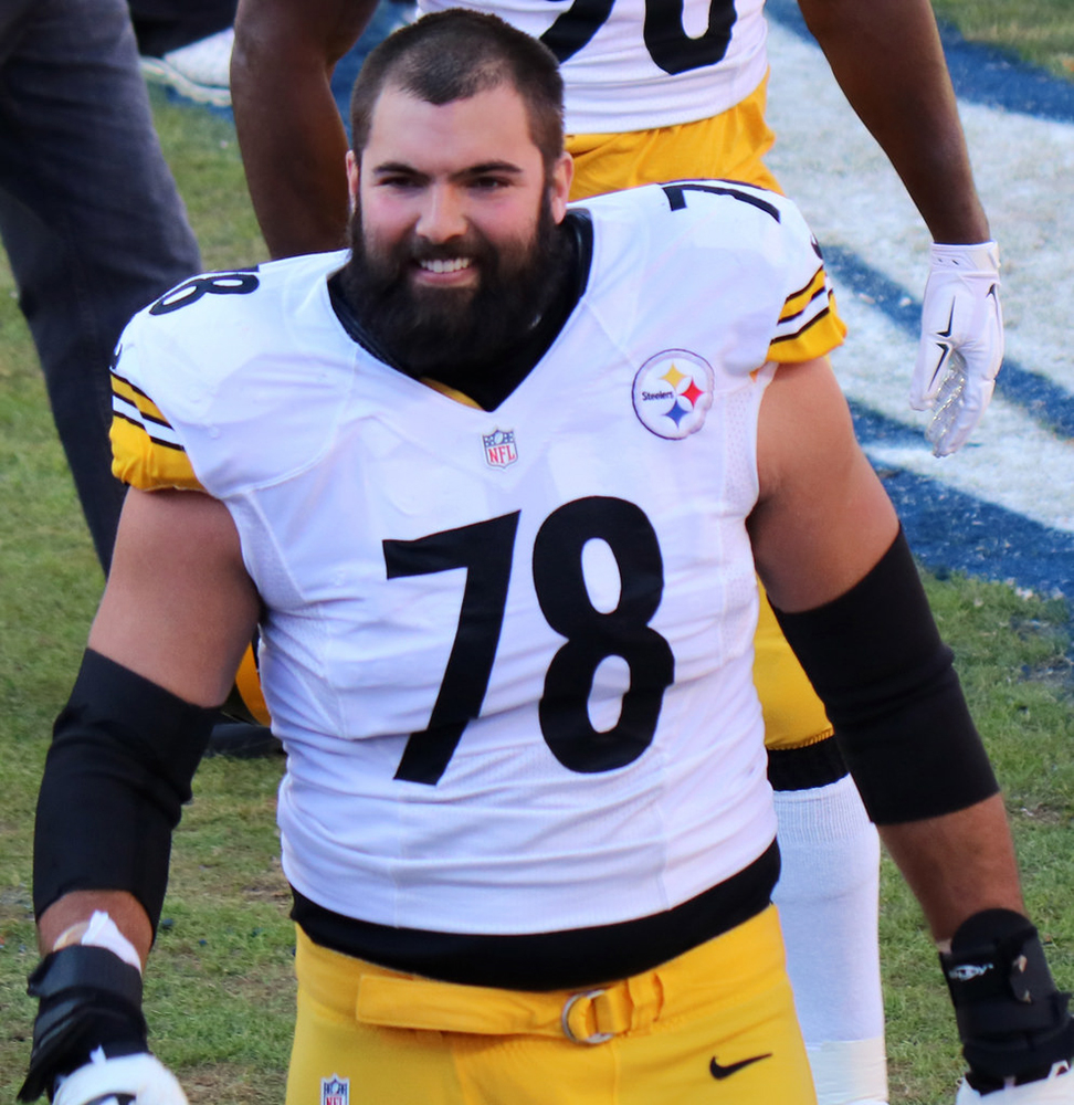 Former army ranger and Pittsburgh Steelers offensive tackle Alejandro Villanueva was the only player on his team to stand for the national anthem before their game Sunday Sept. 24. (Courtesy of Creative Commons)