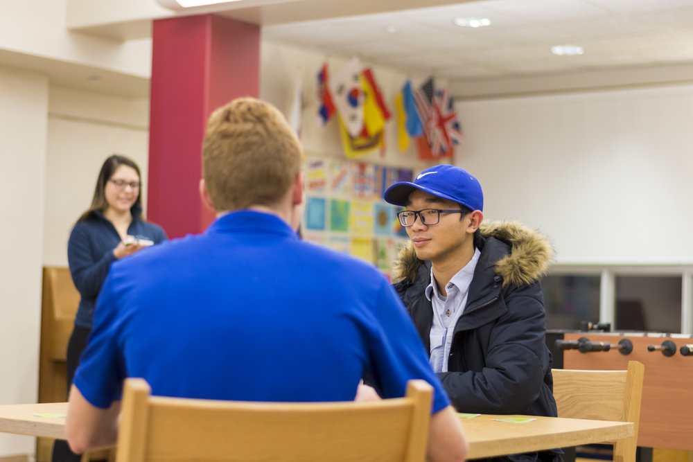 "Students gathered in Wyoming Hall for an evening of socialization on Friday Jan. 26. The ""Friender"" event mirrored speed dating and gave attendees the opportunity to meet new people.  (Theo Liu/assoc. photo editor)"