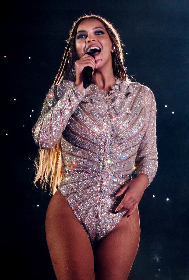 Beyoncé (pictured above) singing during her Formation World Tour in London, 2016. Her April 14 Coachella showcase made an intense statement about the importance of black diversity, something other artists should not be hesitant to do within the current political climate (courtesy of creative commons).