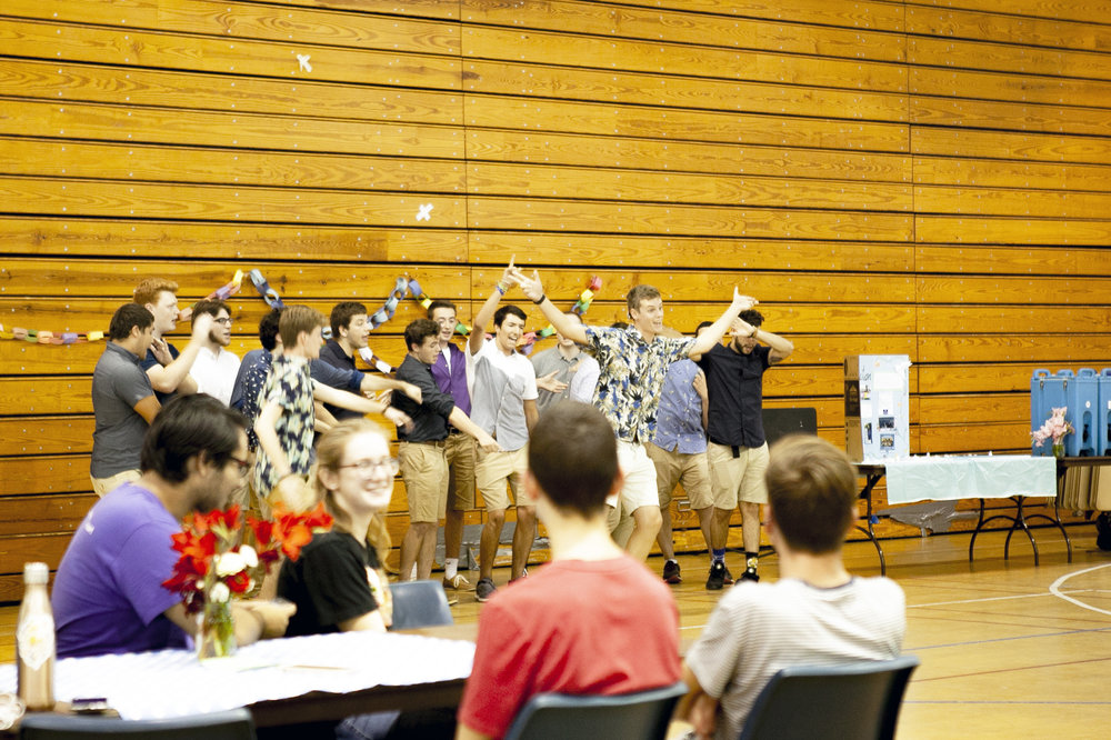 Students crowded the Kuhl Gymnasium on Friday Sept. 21 in recognition of the International Day of Peace, coordinated by the Geneseo Peace Action club. The event consisted of various student performances and a chance to embrace unity over violence (Udeshi Seneviratne/photo editor).