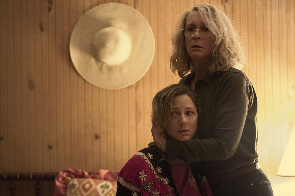 Judy Greer (pictured left) and Jamie Lee Curtis (pictured right) are the stars of the new  Halloween  sequel. The plot continues to follow Michael Myers as he seeks to kill Curtis's character Laurie Strode (courtesy of creative commons).