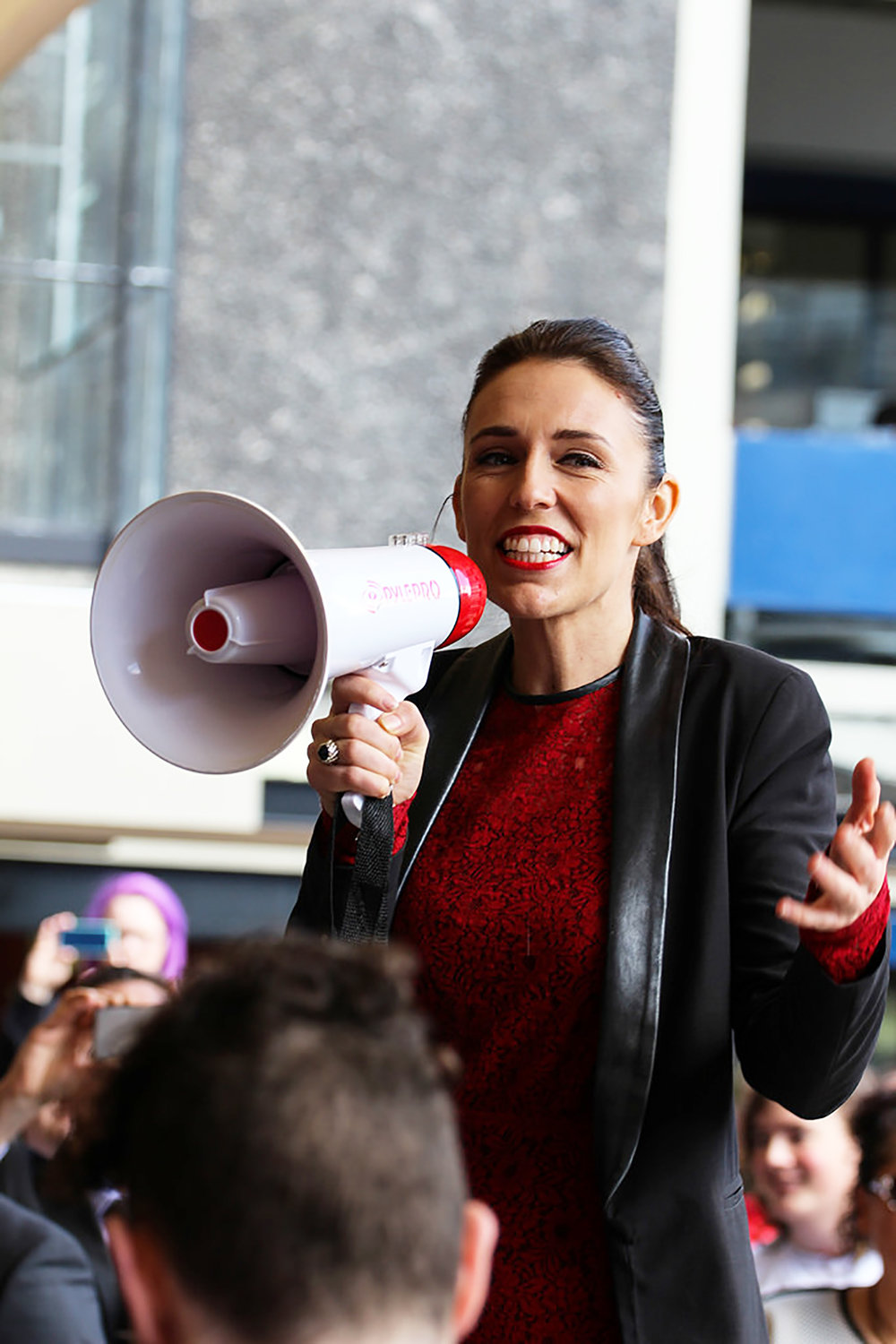 New Zealand Prime Minister Jacinda Ardern (pictured above) was quick to take political action following the mass shooting last week in Christchurch. The United States should respond similarly to gun violence in America (Ulysse Bellier/Creative commons).