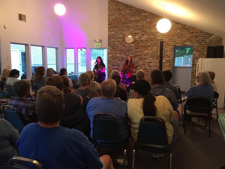 Club House Concert!  Wonderful listening crowd in Washington!
