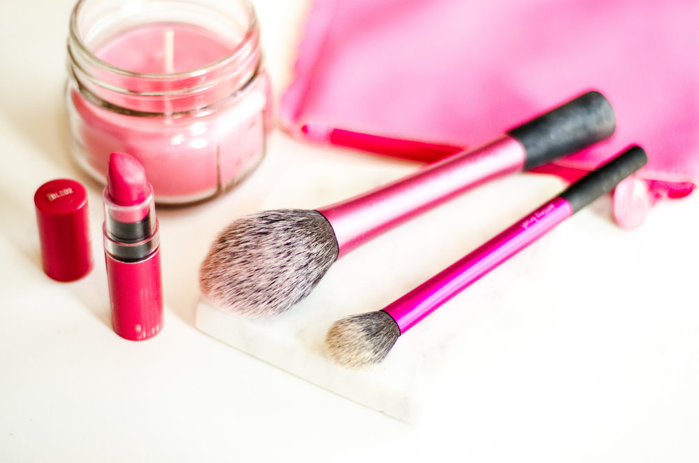 From L-R: Real Techniques Blush Brush, Real Techniques Setting Brush