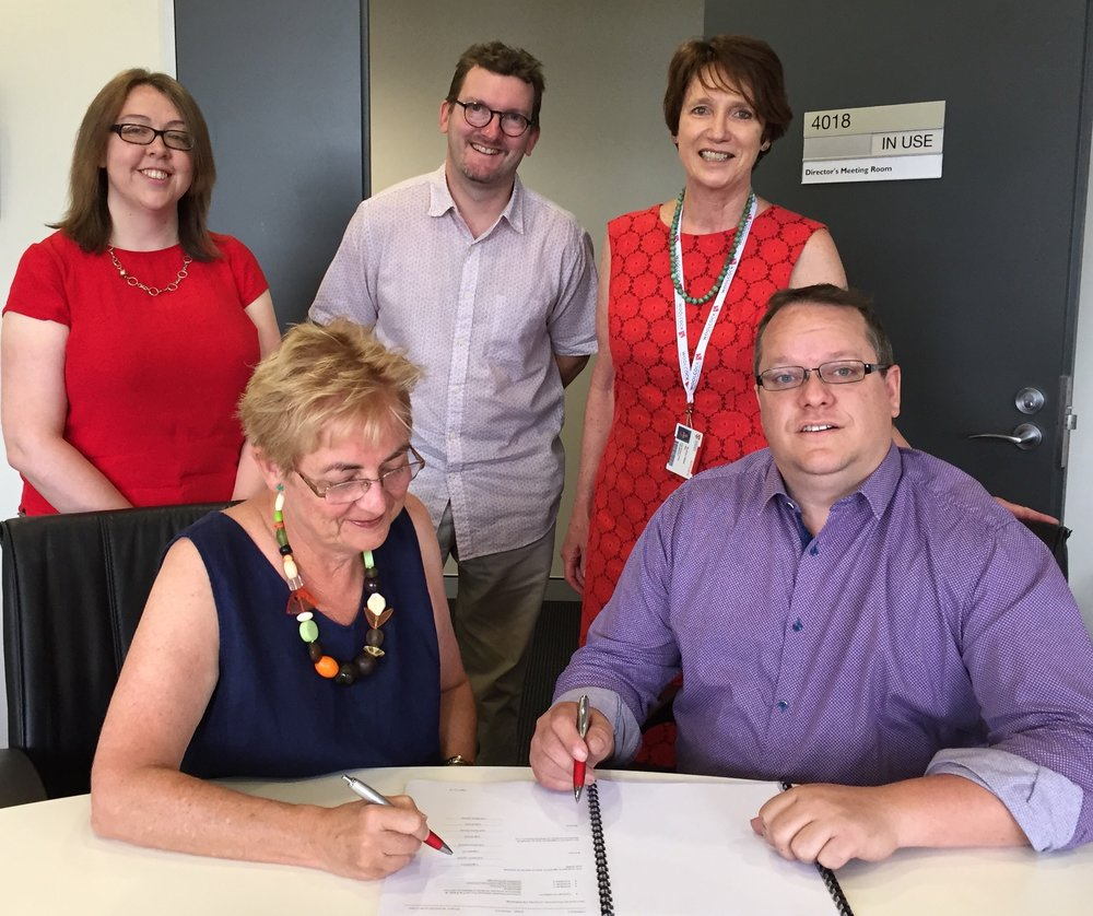 Woolcock Executive Director, Professor Carol Armour and Russell Urquhart from G3Labs sign contract to commence works on the Centre for Lung Cancer Research