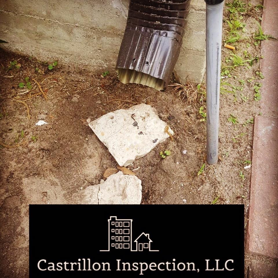 Friendly home inspection reminder: Missing splash blocks are marked as deficient on a home inspection report. Splash blocks are used to keep excess water from sitting against the foundation. Overly wet foundations cause shifts and uneven settling. Super simple fix!!!