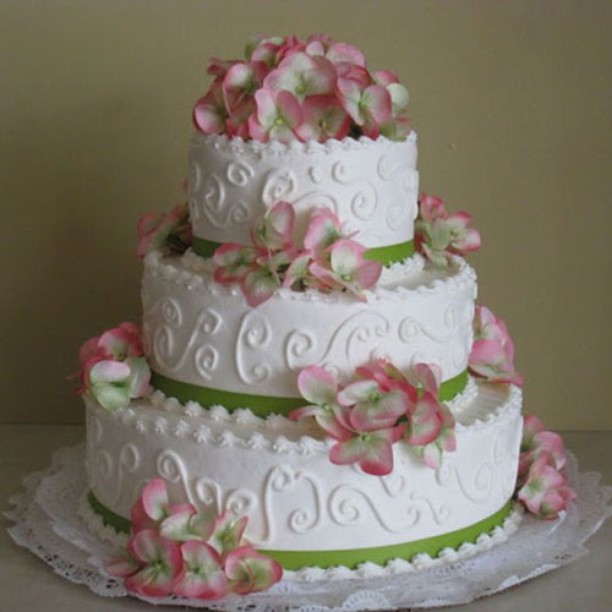 We want your wedding cake to look perfect. #wedding #cakes #rochester #bakery
