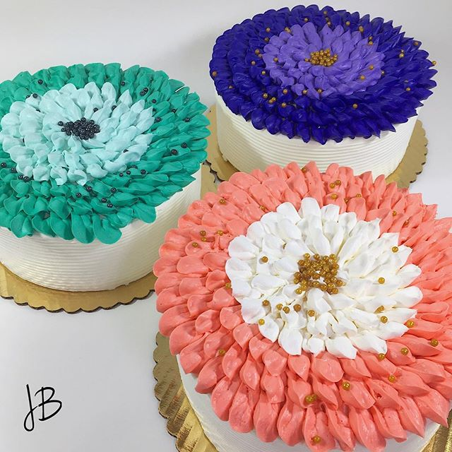 Our cake decorator is always getting creative with designs for cakes! Call in and order your birthday and special occasion cakes today!#gruttadauriasbakery