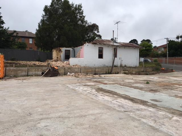 The half demolished brick cottage at the old Katoomba RSL site.