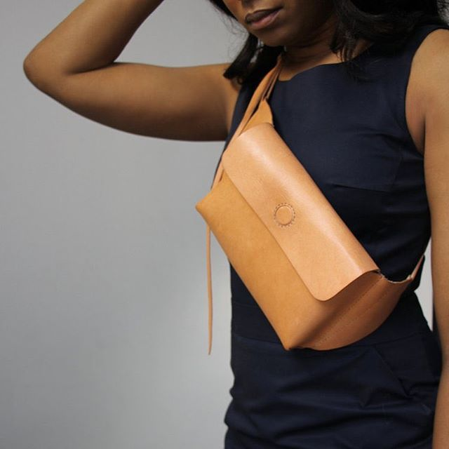 Feeling \\ double crossed by our new SLING Hip Pack (we're 👌🏽 with that though)  #brandhyzeandco #fannypack #crossbodybag #hippack #handstitched #leather