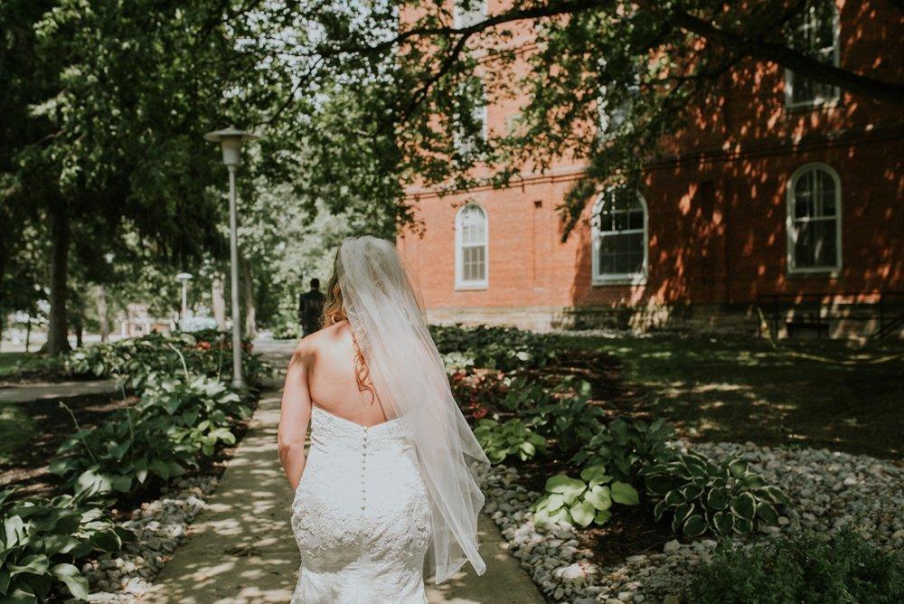 amber-and-brandon-wilmington-ohio-wedding_0053.jpg