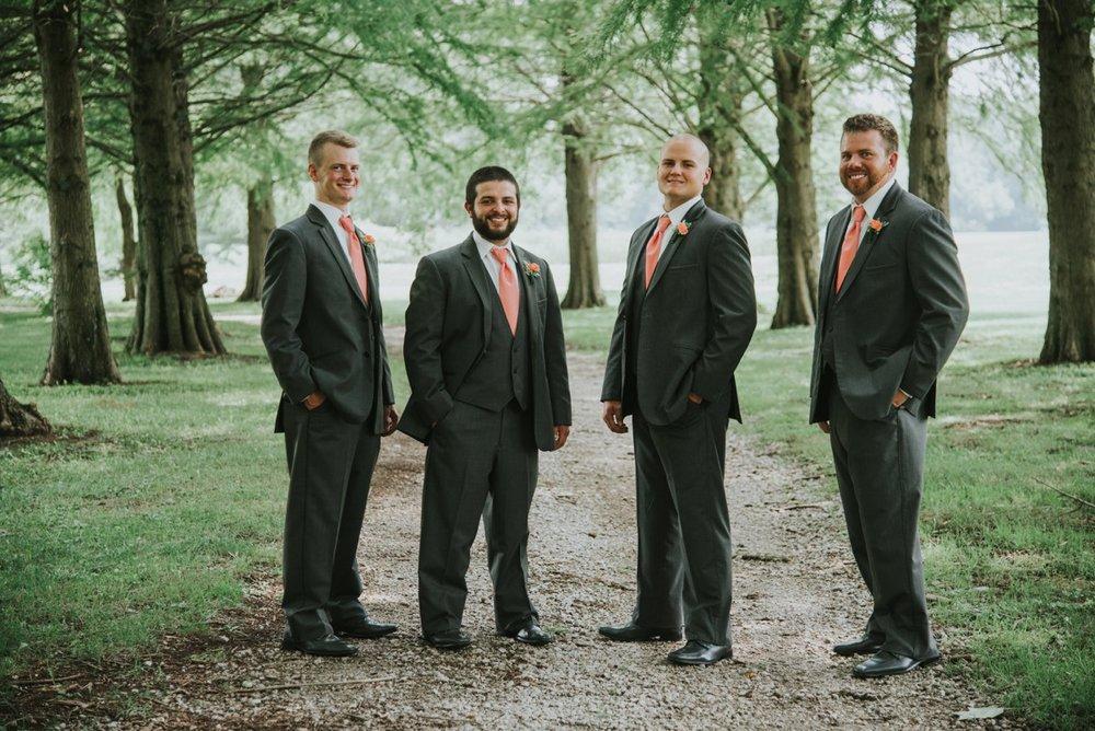 amber-and-brandon-wilmington-ohio-wedding_0012.jpg