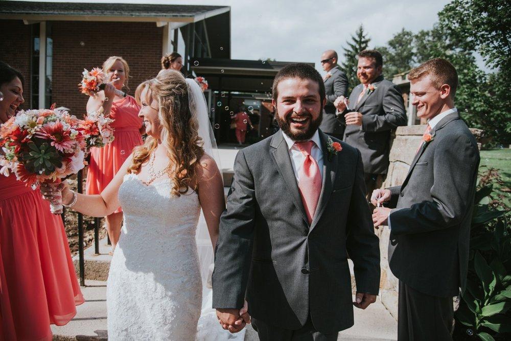 amber-and-brandon-wilmington-ohio-wedding_0024.jpg