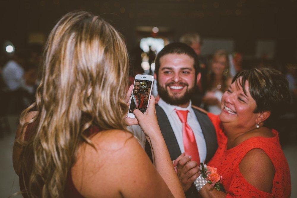 amber-and-brandon-wilmington-ohio-wedding_0028.jpg