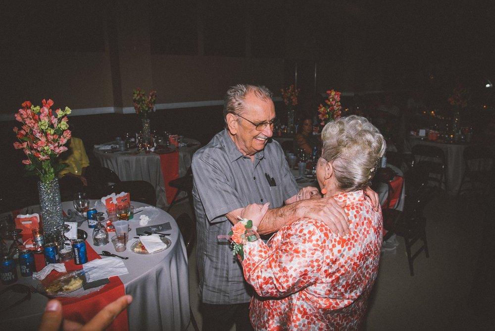 amber-and-brandon-wilmington-ohio-wedding_0033.jpg