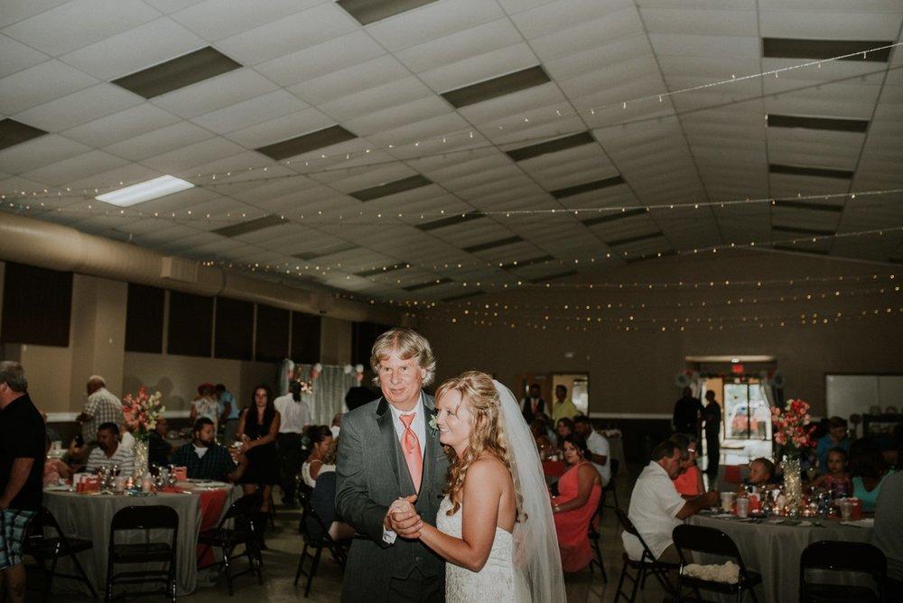 amber-and-brandon-wilmington-ohio-wedding_0066.jpg