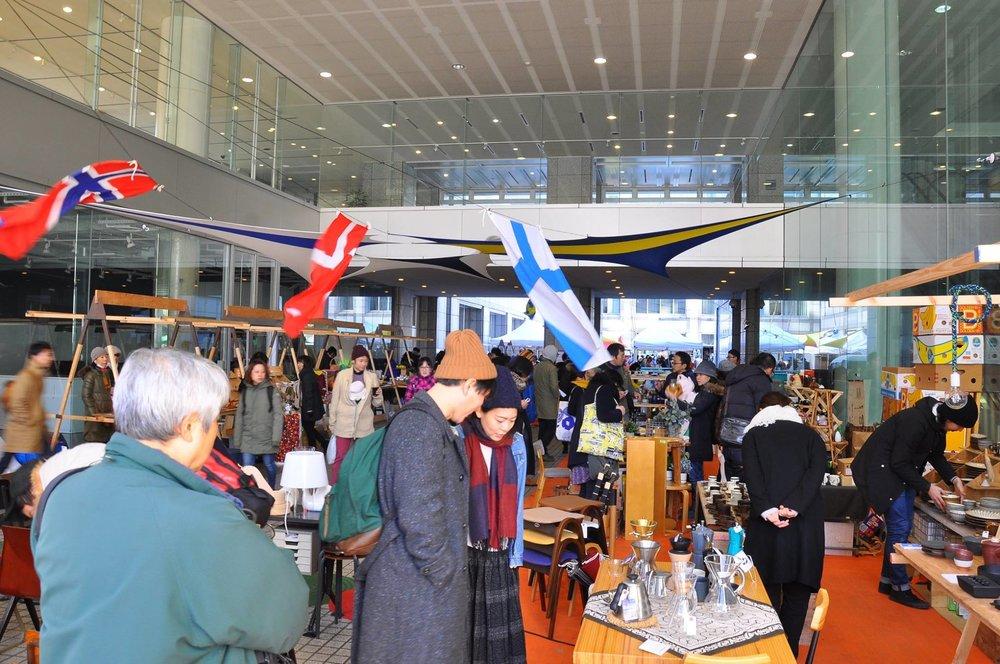 MARKET VENDORS - <Nordic Lifestyle Market出店者情報>ヴィンテージ家具、陶器やガラス器などの人々のライフスタイルに寄り添うプロダクトやその心地よさを演出する空間や食事まで、今回は作り手にフォーカスをあてた「CRAFTSMANSHIP」をテーマにマーケット会場を構成していきます。